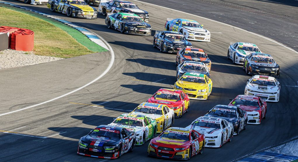 A record 33 full-time entries for the 2020 NASCAR Whelen Euro Series