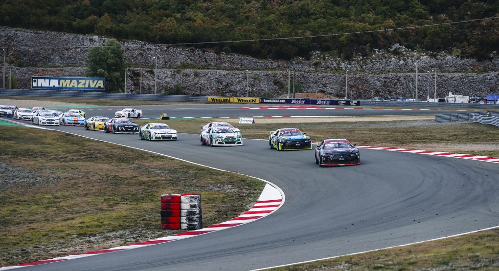 EuroNASCAR 2: Tobias Dauenhauer and Martin Doubek separated by just 3 points!